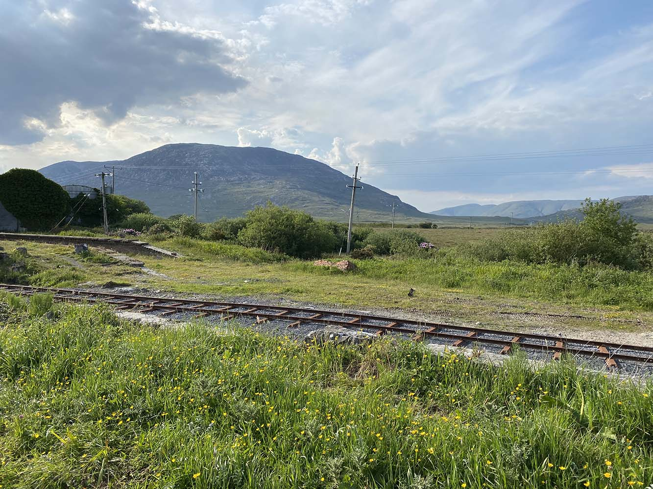 A lovely view of the Maam Turk mountains from the Galway end of the platforms.